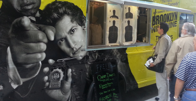 2013-09-17-brooklyn-nine-nine-food-truck-625x322