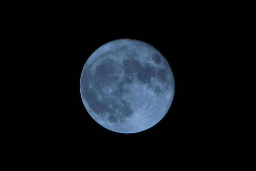super-moon-over-evanston-img_8108